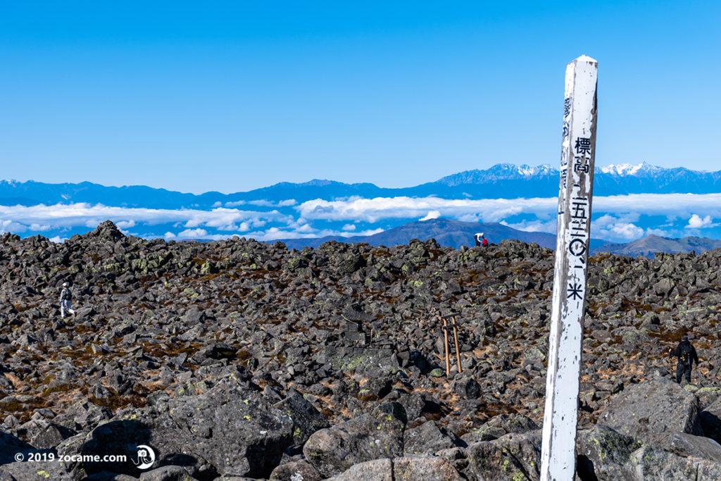 蓼科山登山口から11月登山山頂着