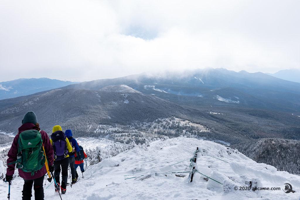 正月北横岳登山道